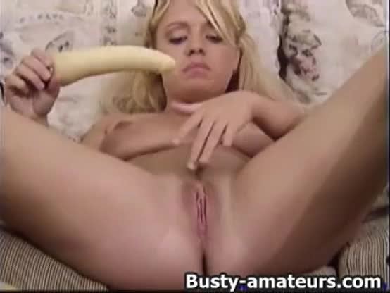 Blonde chick toying her wet pussy