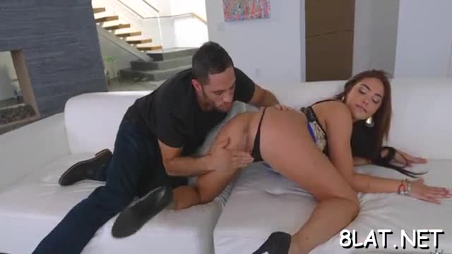 Babe slides dick in shaved fur pie